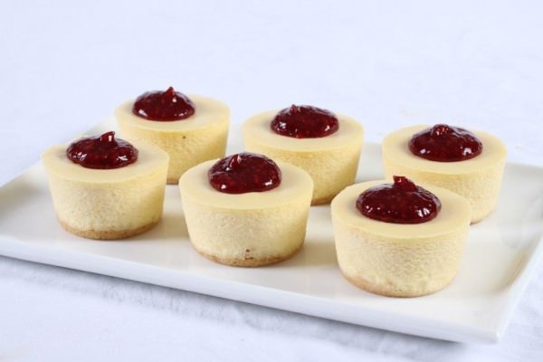 Baby Baked Cheesecakes Raspberry