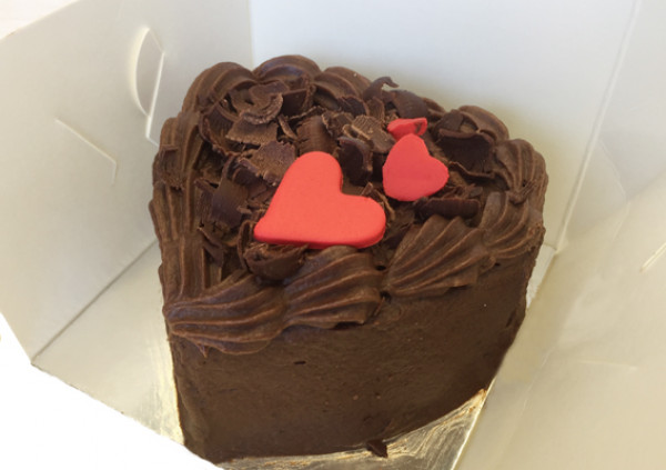 Individual Heart Cake – Valentines Package
