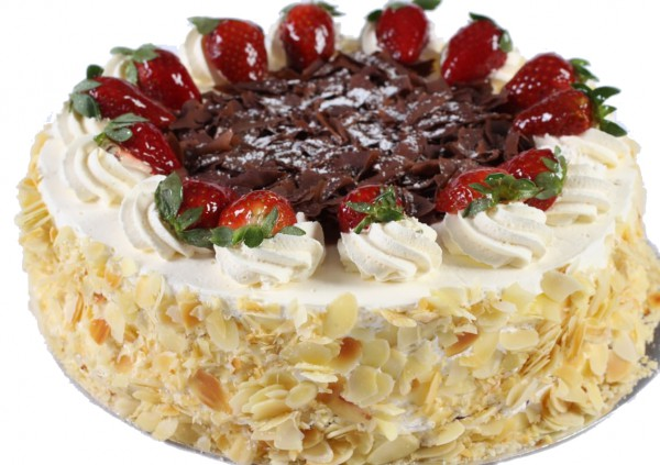 Strawberries & Cream Gateau